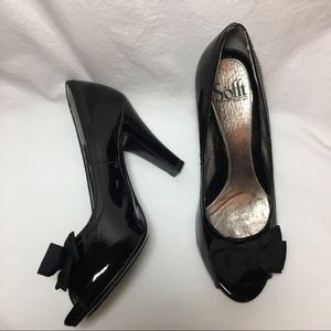 Sofft Black Patent Leather Open Toe Pumps w/ Bow